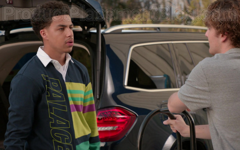 Palace Skateboards Shirt of Marcus Scribner in Black-ish S06E22 (1)