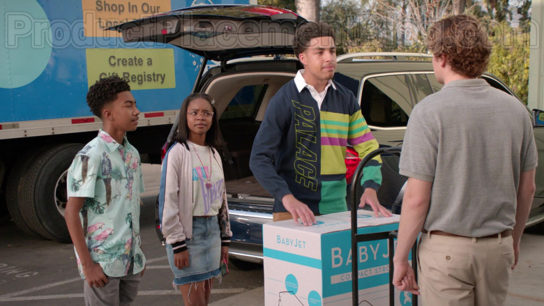 Palace Skateboards Shirt of Marcus Scribner in Black-ish S06E22 (2)