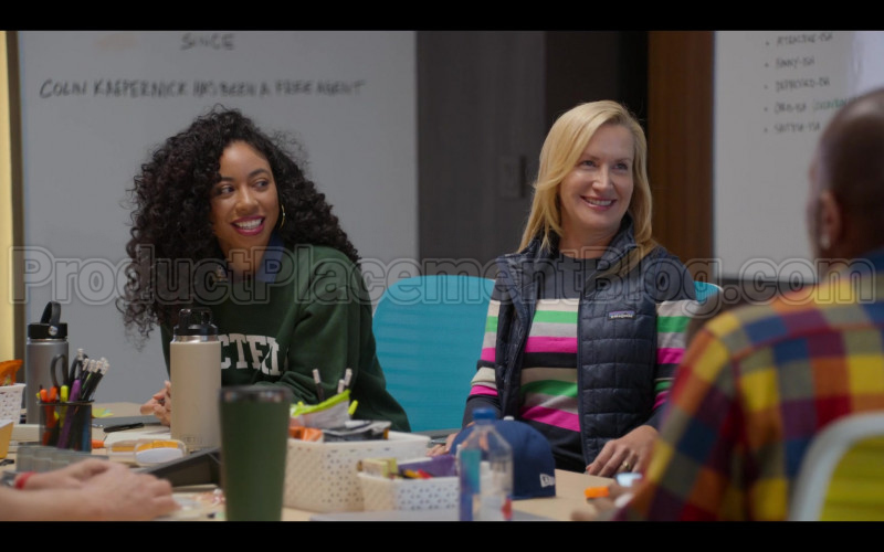 Patagonia Vest of Angela Kinsey in #blackAF S01E04 (1)