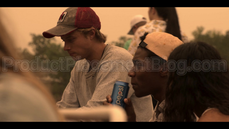 Pepsi Soda Enjoyed by Jonathan Daviss as Pope in Outer Banks S01E04 (2)