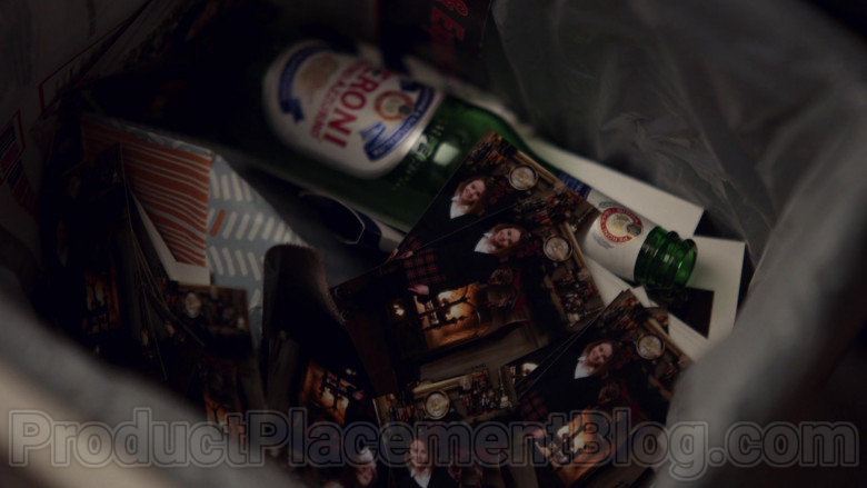 Peroni Beer in Little Fires Everywhere S01E07 (2)