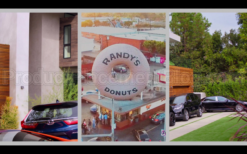 Randy's Donuts Donut Shop in #blackAF S01E02 (1)