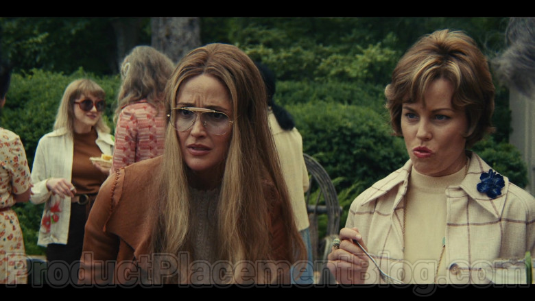 Ray-Ban Shooter Aviator Glasses of Rose Byrne as Gloria Steinem in Mrs. America TV Show (1)