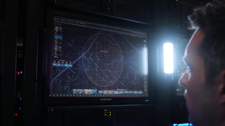 Samsung Computer Monitor in 9-1-1 S03E14 (2)