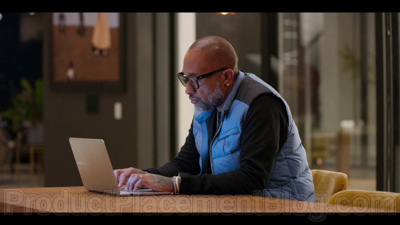 Samsung Laptop Used by Kenya Barris in #blackAF S01E04 (1)