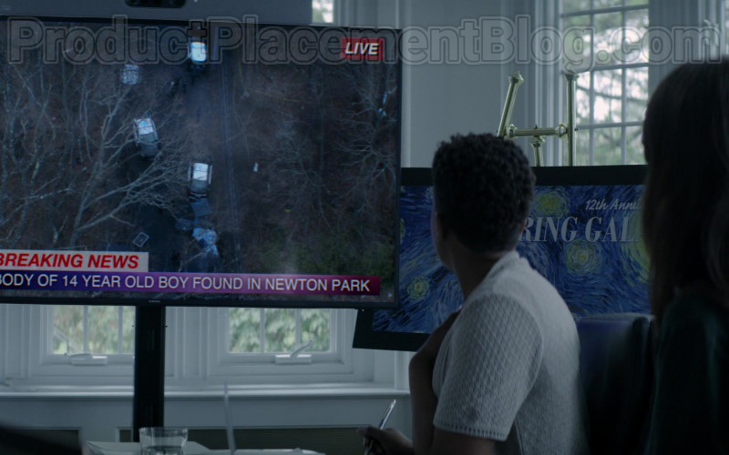 Samsung TV in Defending Jacob S01E01 Pilot (2020)