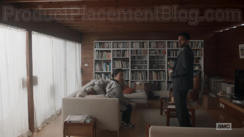 Sandra Oh as Eve Polastri Wearing New Balance Shoes in Killing Eve TV Show [S03E03] (2)