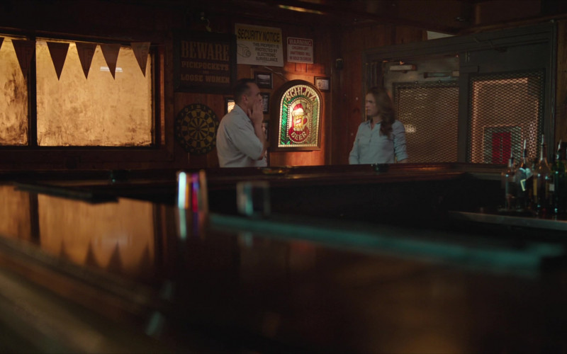 Schlitz Beer Sign in Brockmire S04E04 (1)