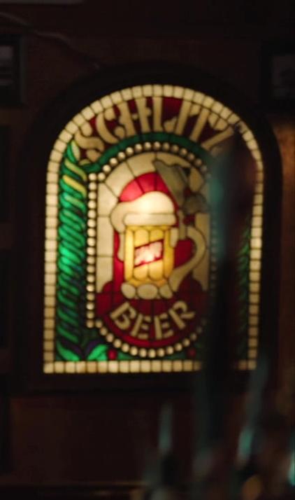 Schlitz Beer Sign in Brockmire S04E04 (2)