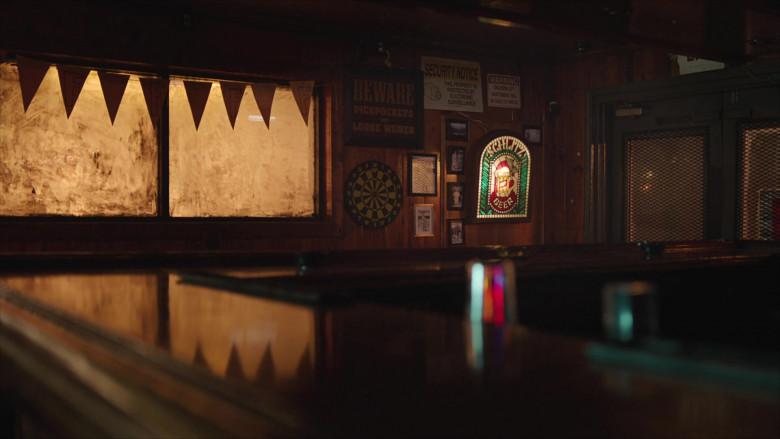 Schlitz Beer Sign in Brockmire S04E04 (3)