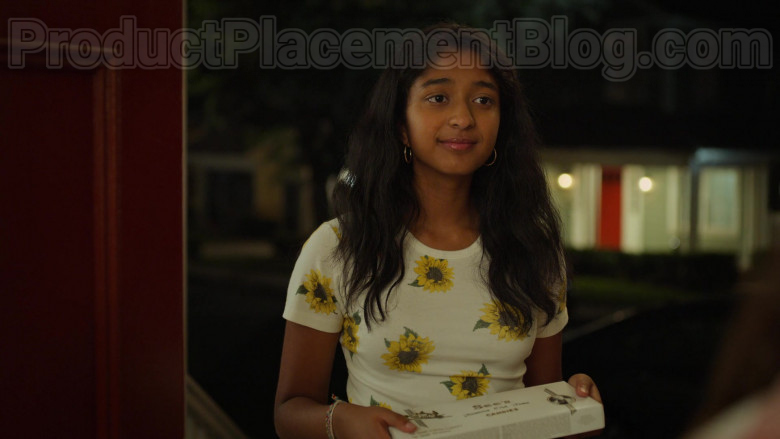 See's Candies Held by Maitreyi Ramakrishnan as Devi Vishwakumar in Never Have I Ever S01E03