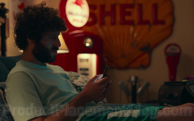 Shell Sign in Dave S01E09 Ally's Toast (2020)