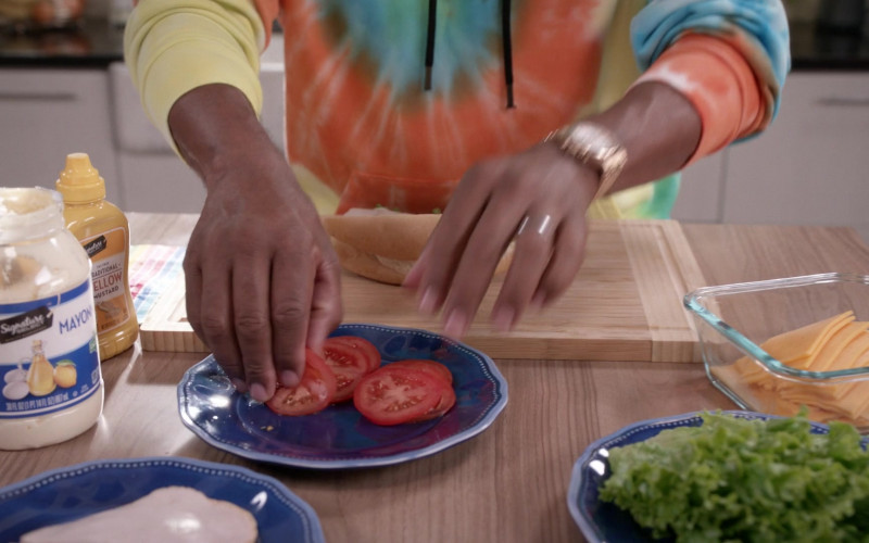Signature Select Mayonnaise & Yellow Mustard in Black-ish S06E20