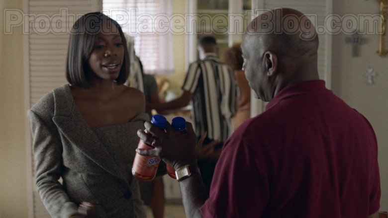 Snapple Drinks in Insecure S04E03 (3)