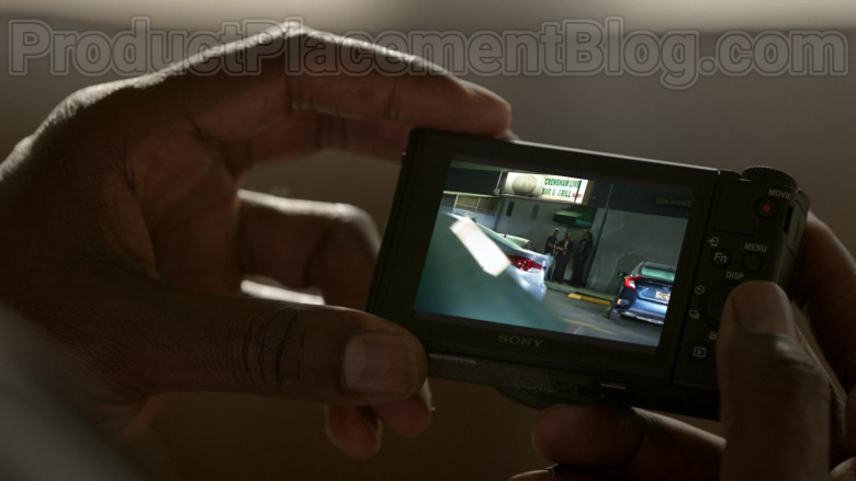 Sony Photography Camera in Bosch S06E02 (3)