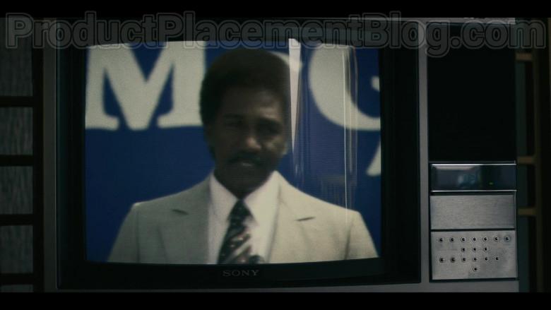 Sony TV in Mrs. America S01E03 Shirley