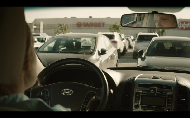 Target and Ralphs Stores in Run S01E01