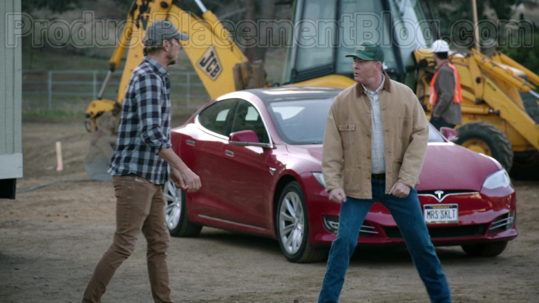 Tesla Model S Red Car in Bless This Mess S02E19 (4)