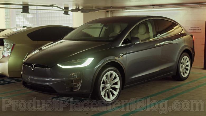 Tesla Model X SUV in Never Have I Ever S01E04 … felt super Indian (2020)