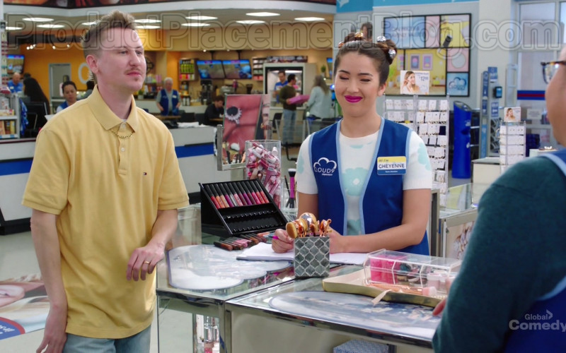 Tommy Hilfiger Yellow Short Sleeve Shirt of Johnny Pemberton as Bo Thompson in Superstore S05E21 (1)