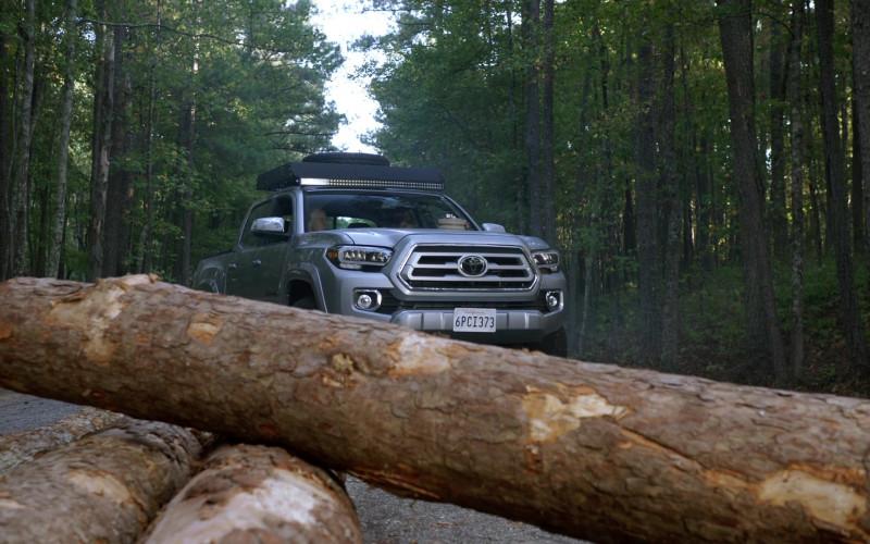 Toyota Tacoma Pickup Truck in MacGyver S04E08