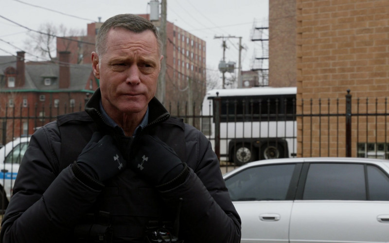 UA Gloves of Jason Beghe as Hank in Chicago P.D. S07E19
