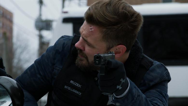 UA Gloves of Patrick John Flueger as Officer Adam Ruzek in Chicago P.D. S07E19 (1)