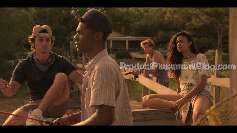 Vans Old Skool Yellow Shoes of Madison Bailey as Kiara in Outer Banks S01E01 Pilot (1)