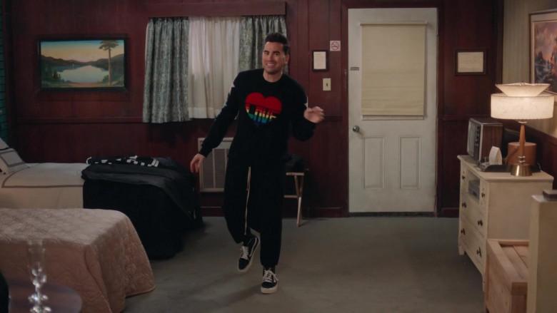 Vans Sneakers of Daniel Levy as David Rose in Schitt's Creek S06E14 (2)