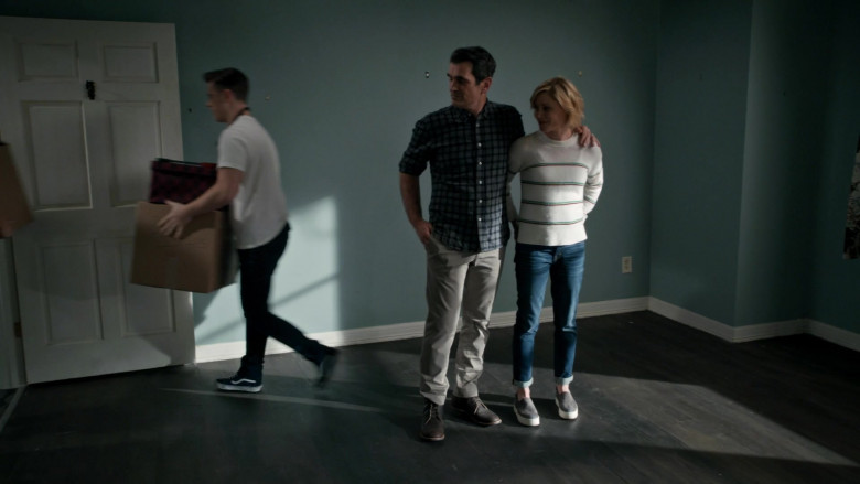 Vans Sneakers of Nolan Gould as Luke in Modern Family S11E18 (3)