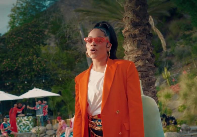 """Versace Orange Blazer Worn by Ella Mai in """"Don't Waste My Time"""" 2020 (2)"""