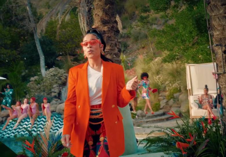"""Versace Orange Blazer Worn by Ella Mai in """"Don't Waste My Time"""" 2020 (4)"""