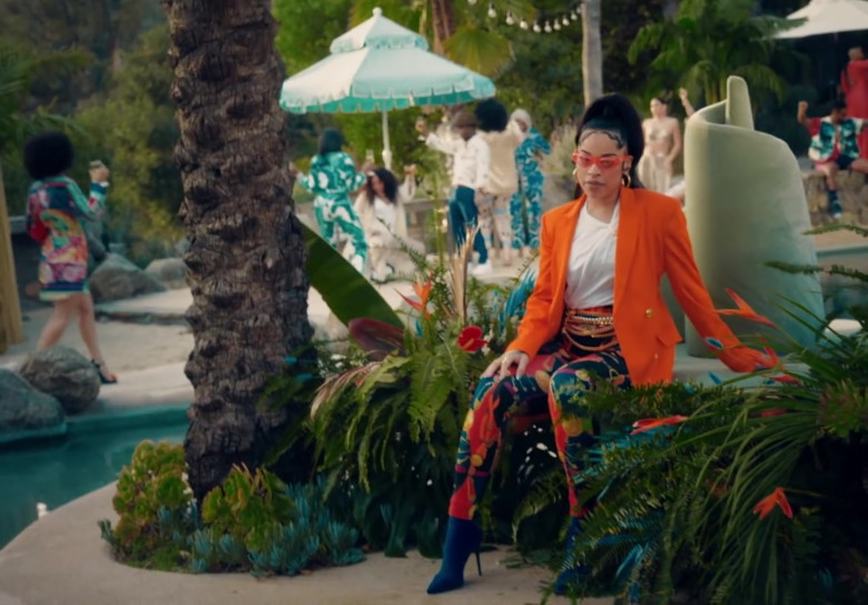 """Versace Pants Worn by Ella Mai in """"Don't Waste My Time"""" (2)"""