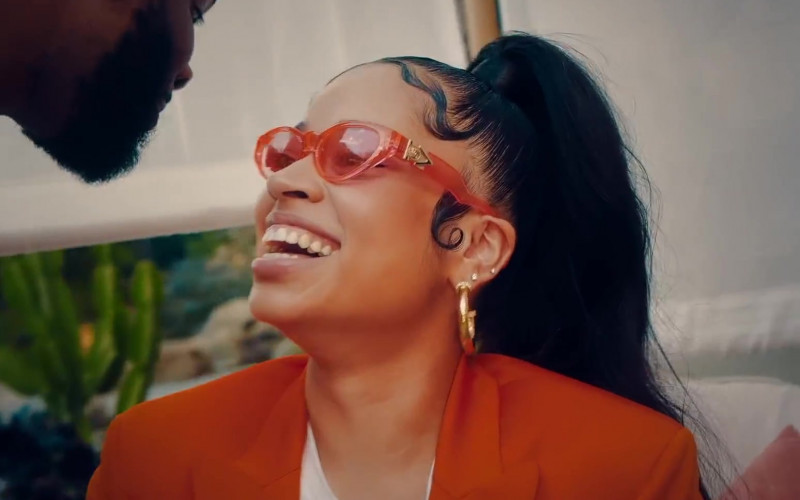 "Versace Red Eyewear Worn by Ella Mai in ""Don't Waste My Time"""