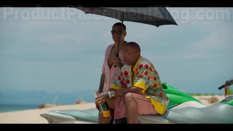 Veuve Clicquot Champagne Enjoyed by Kenya Barris in #blackAF Netflix TV Series (1)