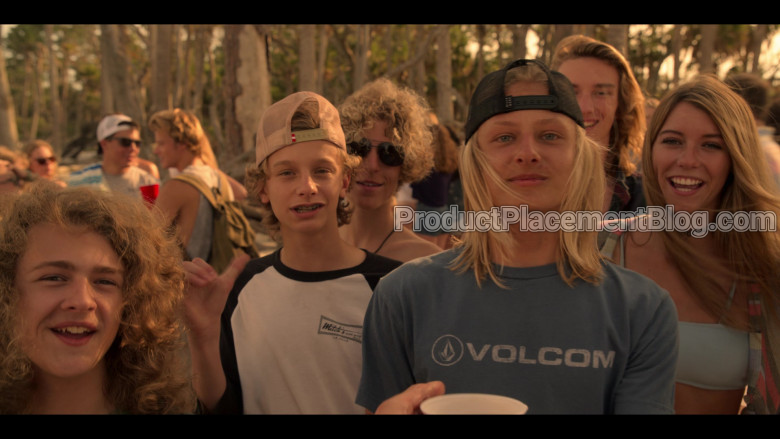 Volcom Blue Tee in Outer Banks S01E01 Pilot