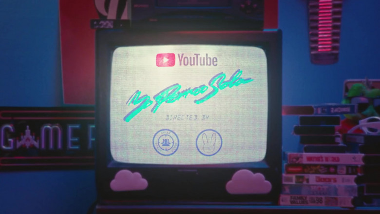 YouTube Website Logo in Yo Perreo Sola by Bad Bunny