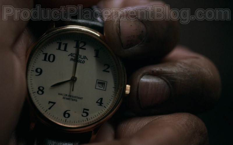 Actor Using Timex Acqua Indiglo Wrist Watch in Snowpiercer S01E01 TV Show (1)