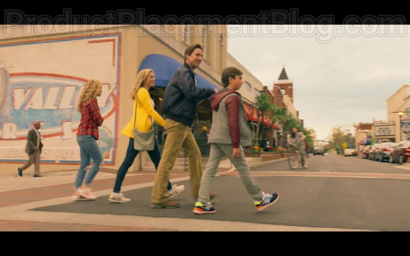Actor Wearing New Balance Boys Shoes in Stargirl S01E01 Pilot (2020)