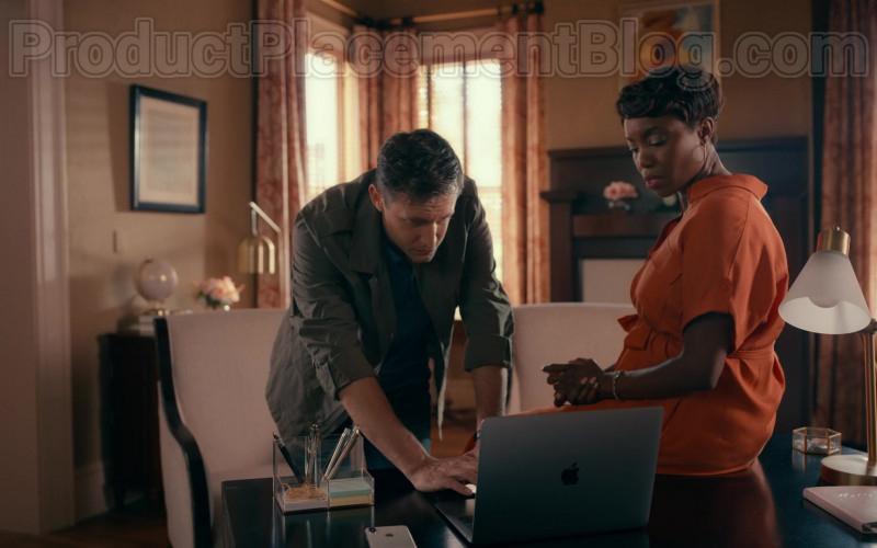 Actors Using Apple MacBook Laptop in Sweet Magnolias S01E04 Netflix Original TV Show (1)