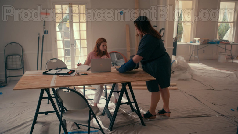 Actress JoAnna Garcia Swisher Using Microsoft Surface Laptop in Sweet Magnolias S01E03 Netflix TV Show (1)