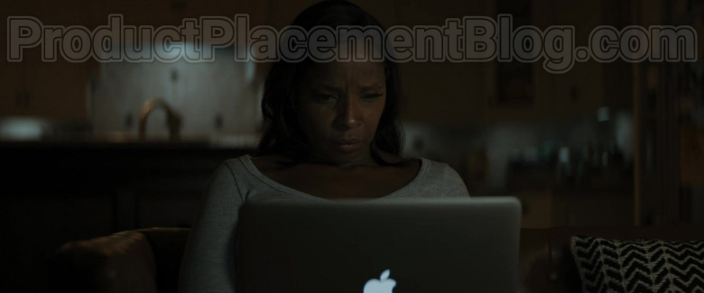 Actress Using Apple MacBook Air Laptop in Body Cam 2020 Movie (2)