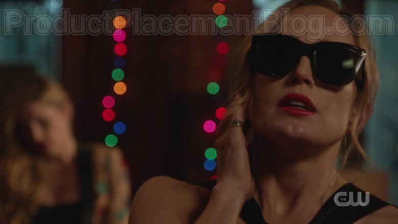 Actress Wearing Tom Ford Sunglasses For Women in DC's Legends Of Tomorrow S05E13 (1)