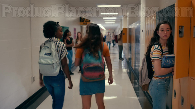 Actresses Wearing JanSport High School Backpacks in Sweet Magnolias S01E06 Netflix TV Show (1)