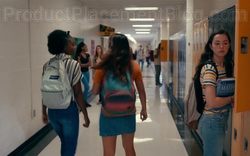 Actresses Wearing JanSport High School Backpacks in Sweet Magnolias S01E06 Netflix TV Show (1)