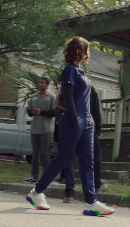 Adidas OZWEEGO Pride Shoes of Sarah Wayne Callies as Robin Perry in Council of Dads S01E04 (1)