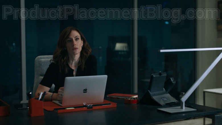 Apple MacBook Laptop and Cisco Phone of Maggie Siff as Wendy Rhoades in Billions S05E01 (1)
