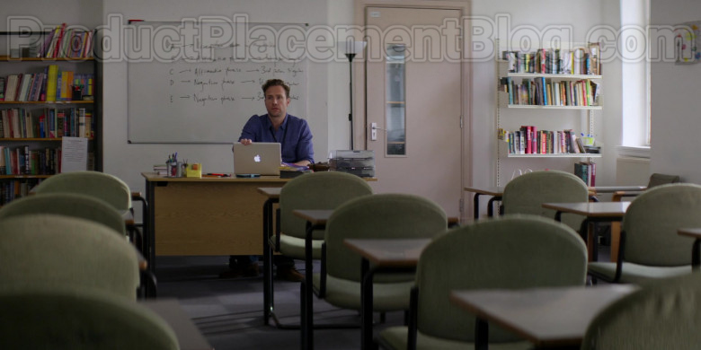 Apple MacBook Laptop of Rafe Spall as Jason in Trying S01E06 (2)
