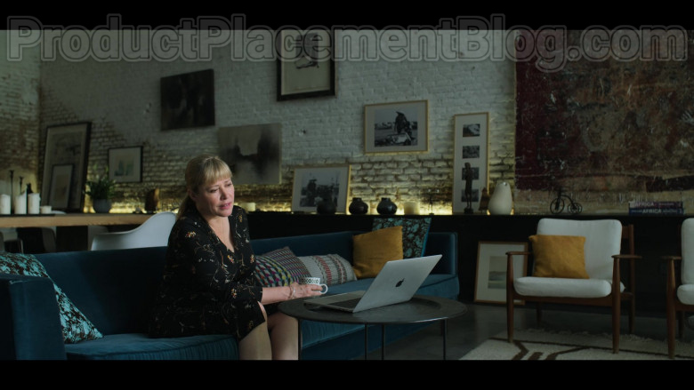 Apple MacBook Pro Laptop Used by Actress in White Lines TV Show [Episode 3, 2020] (1)