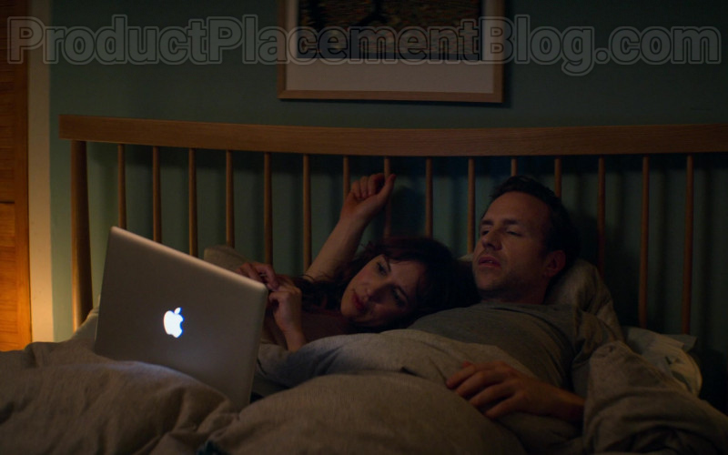 Apple MacBook Pro Laptop Used by Rafe Spall & Esther Smith in Trying S01E04 (1)